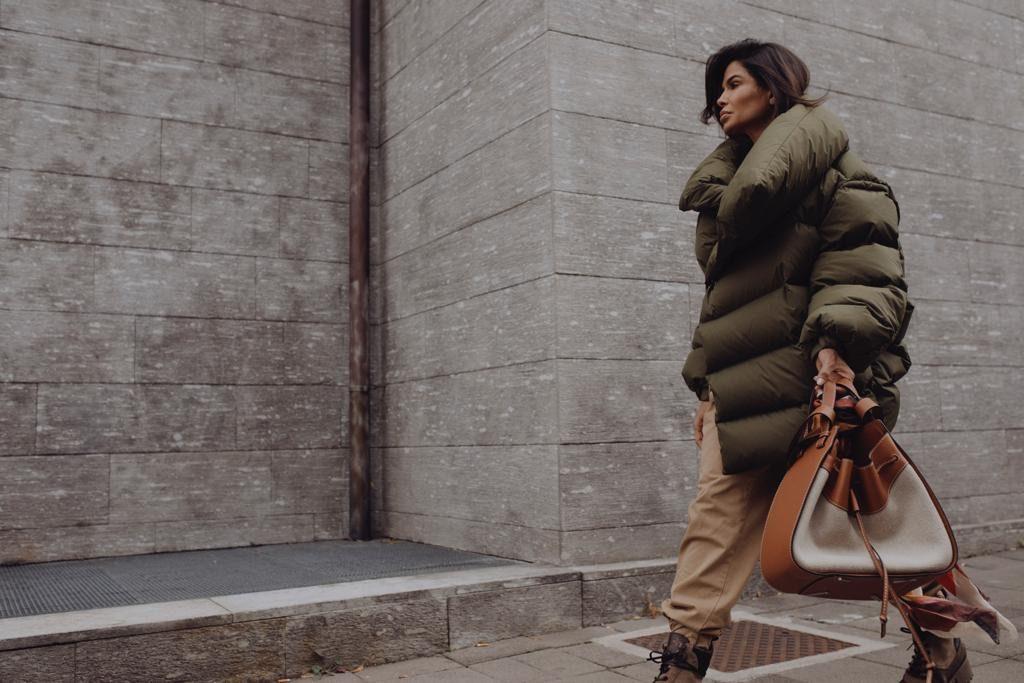 Victoria Barbara Street Style wearing Loewe