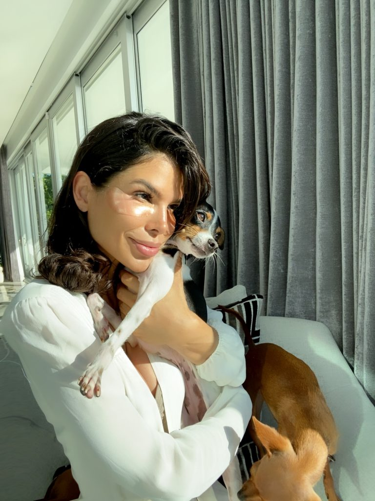 Victoria Barbara At Home Quarantine Beauty During Covid-19