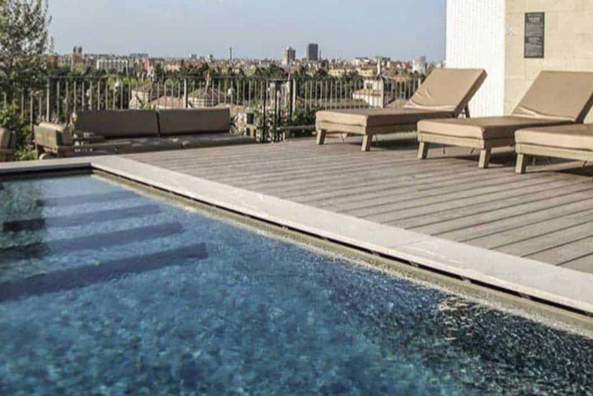 Vui Hotel Milan Swimming Pool